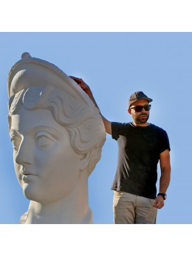 Gigantesca Testa di LucillaGiant Head of Lucilla, daughter of Marcus Aurelius - from a cast of the louvre