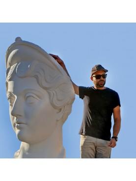 Gigantesca Testa di Lucilla, figlia di Marco Aurelio - da un calco del louvre