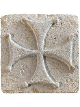 Large lobed Malta Templar cross in white stone