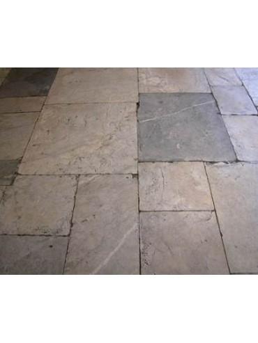Pavimento in marmo bianco e grigio
