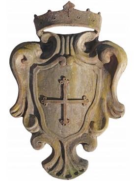 Stemma maiolicato con croce pisana