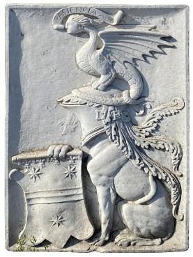 Large concrete Serristori coat of arms