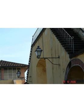 Mensole e lanterne della Villa di Poggio a Caiano