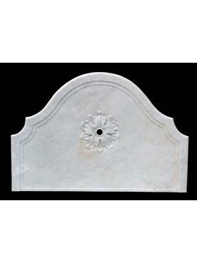 Frontale in marmo bianco di Carrara