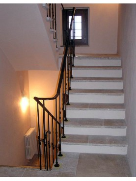 Floor and Stairs in Limestone