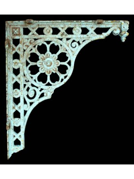 Six cast iron brackets 80cms