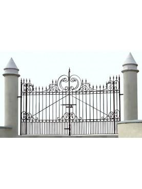 Iron gate 4,50 m.