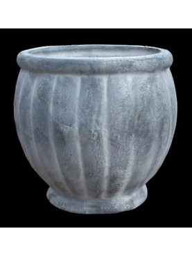 Little vase in cast iron