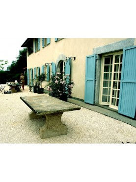 Tavolo in pietra di nostra produzione