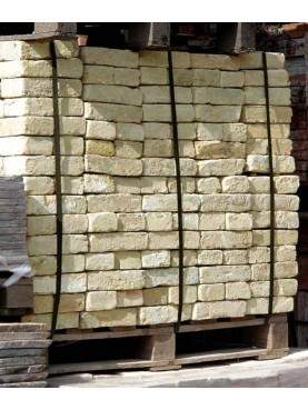 One pallet with 720 bricks
