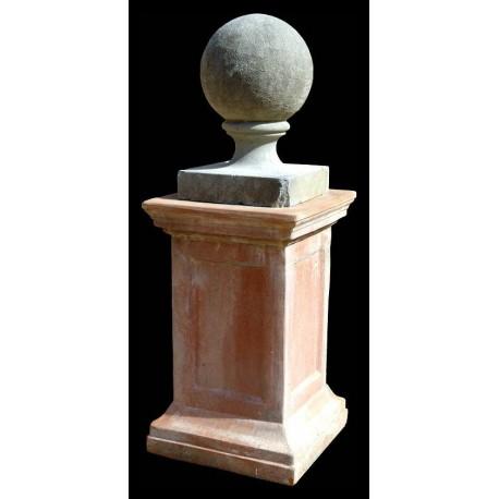 Sfera in pietra Ø25cm con supporto in terracotta