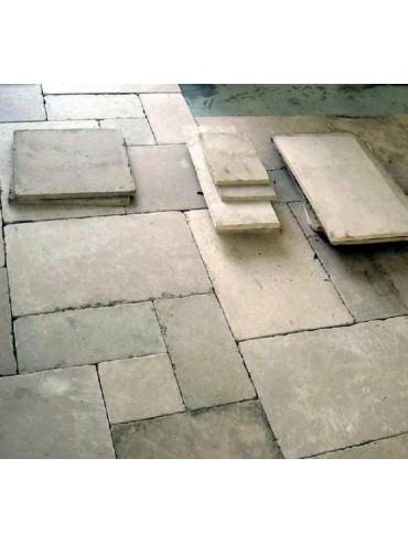Pavimento in Pietra calcarea a 2 cm di spessore meno lavorata