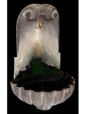 Fontanella in pietra