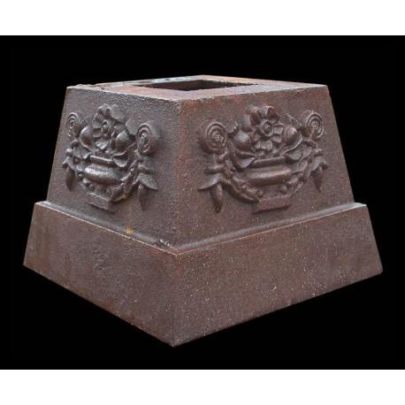 Little cast iron base H.12cms/14x14cms
