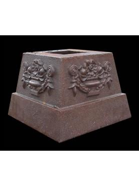 Little cast iron base H.16cms/20x20cms