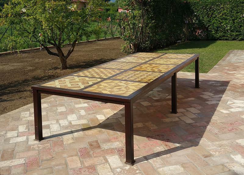 Grande tavolo minimalista in ferro codice articolo prezzo