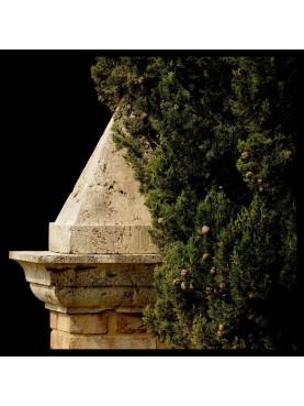 Le piramidi di Castiglion del Bosco