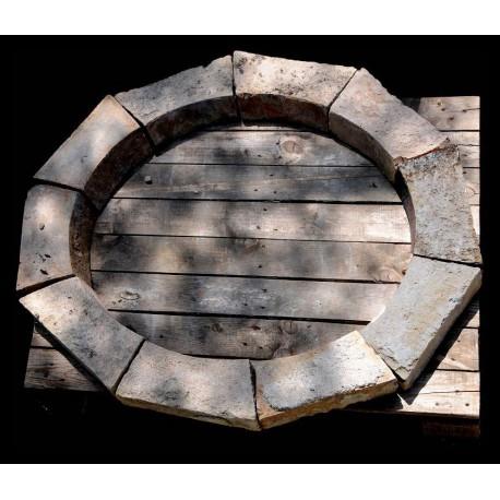 Finestra ovale in terracotta