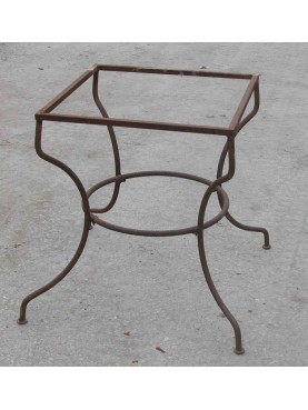 Table base in wrought-iron