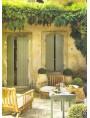 In Sardinia, Ligurian jars and white limestone floor