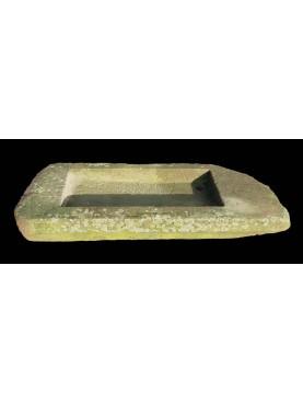 Lavandino in pietra di Guamo