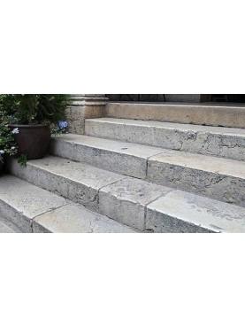 Travertino steps