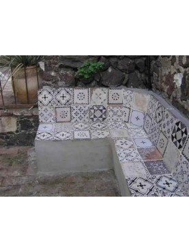 Bench realized with old tiles