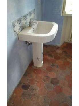 Majolica tiles and hexagonal tiles