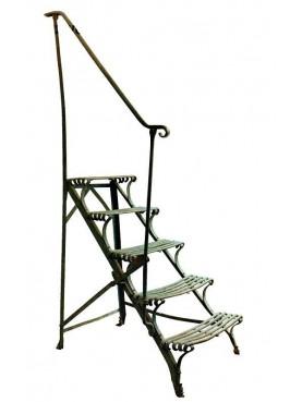 Scaletta da giardino in ferro battuto