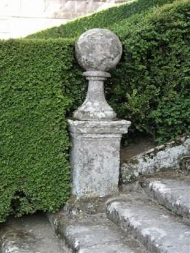 Sfere in pietra serena